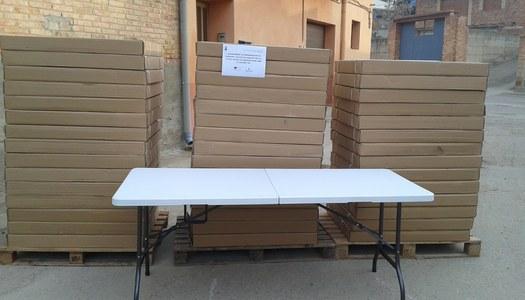 Adquisició de taules plegables per al local social