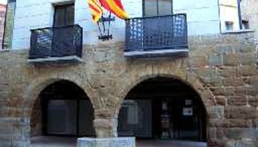 L'edifici de l'Ajuntament i el carrer Major